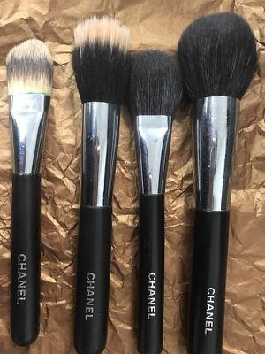 CHANEL makeup brushes paid over $200 for all. Take for only $145 OBO takes it for Sale in Miami, FL