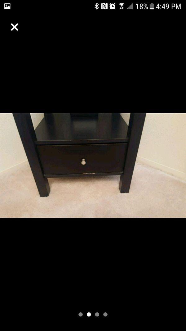 Black Shelf great condition