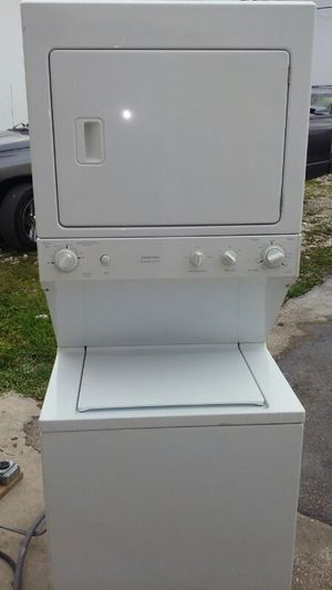 "27"" Kenmore gallery stackable washer and dryer for Sale in Opa-locka, FL"