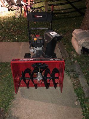 Bendo un snow blower en muy buenas condisiones presio negosiable for Sale in Alexandria, VA