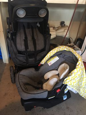 graco infant car seat & stroller for Sale in Boynton Beach, FL