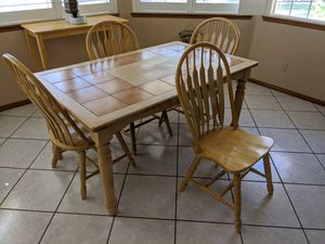 5pc kitchen table with tile top for Sale in Las Vegas, NV
