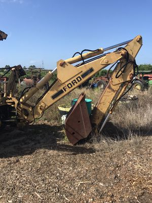 Backhoe tractor extend a hoe implement. for Sale in Lithia, FL