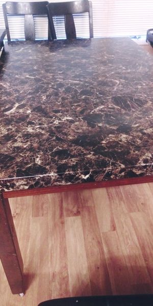 Kitchen table for Sale in Carbondale, IL