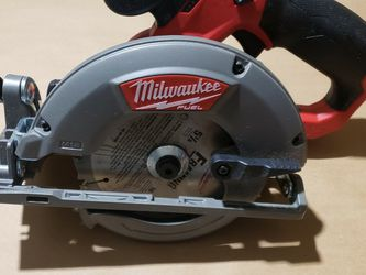 Milwaukee M12 Fuel 5 3/8 Circular Saw for Sale in Greenville,  SC