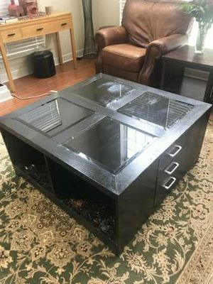Dark brown wood coffee and end table for Sale in Nashville, TN
