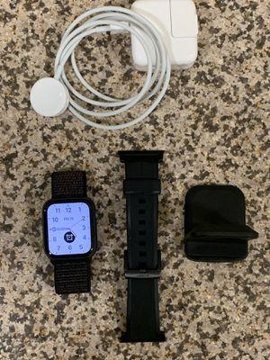 Apple Watch Series 4 (bundle) for Sale in Pasadena, CA