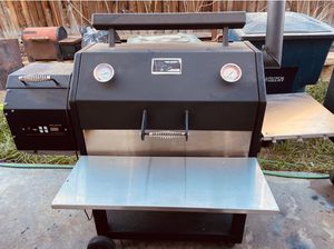 Yoder Ys640 BBQ grill smoker for Sale in Tracy, CA