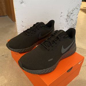 Nike Revolution 5 for Sale in Washington, DC