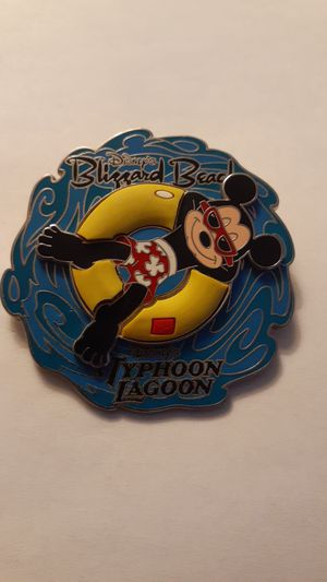 DISNEY PARKS Blizzard Beach Typhoon Lagoon Mickey Mouse Spinner Pin 2005 for Sale in Fort Lauderdale, FL