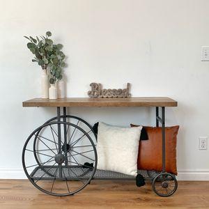 Beautiful Farmhouse Console Table for Sale in Auburn, WA