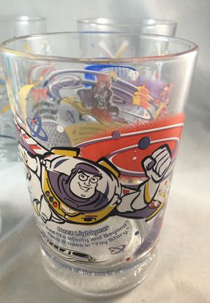 4 Disney world collectible glasses for Sale in Martinez, CA
