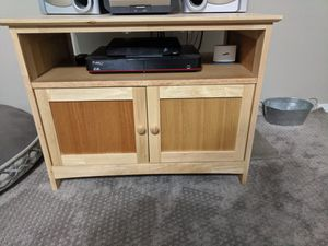 Small wood table for Sale in Stanwood, WA