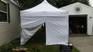 Undercover 10 X 10 POPUP TENT WALLS for Sale in Clinton Township, MI