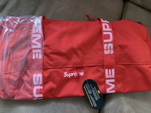 Supreme Red Duffle Bag for Sale in Jersey City, NJ