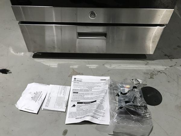 GE Gas Range Oven/Stove