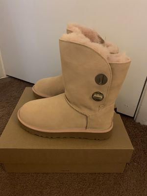 100% Authentic Brand New in Box UGG Turnlock Wool Lined Boots / Women size 7 and women size 8 / Color: Amber for Sale in Walnut Creek, CA