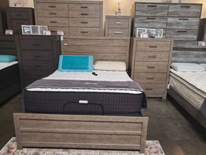 4 PC Queen Bedroom Set (Queen Bed, Dresser, Mirror, Nightstand Included), Grey for Sale in Huntington Beach, CA