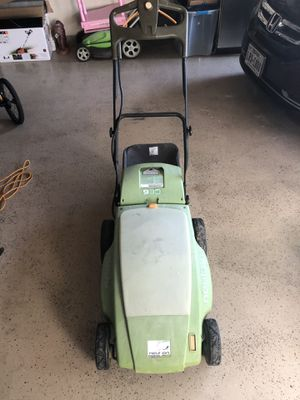 Free battery operated lawn mower for Sale in McKinney, TX