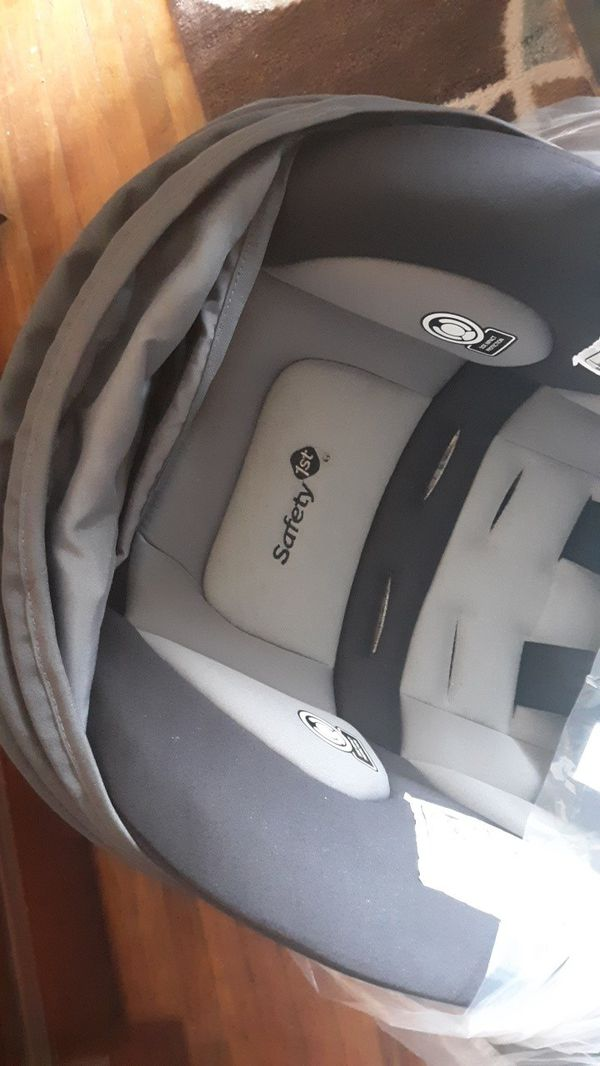 Safety1st brand car seat and stroller brand new! Still in box