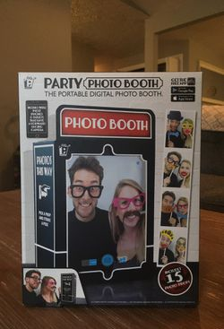 PARTY PHOTO BOOTH - portable photo booth with props. for Sale in Vancouver,  WA