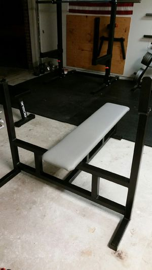 BENCH PRESS WITH WEIGHTS! HEAVY DUTY OLYMPIC for Sale in Baytown, TX