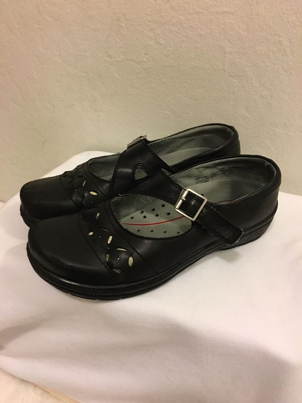 Klogs shoes , sleep resistant, working shoes