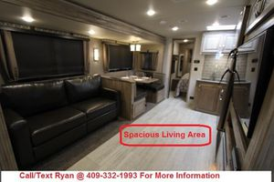 Last 2019 Forest River Palomino SolAire 258RBSS Luxury Travel Trailer FINANCING AVAILABLE for Sale in Alvin, TX