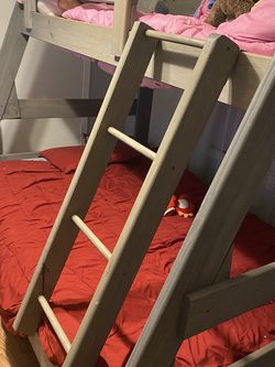 Twin Over Full Wooden Bunk bed for Sale in Nashville,  TN
