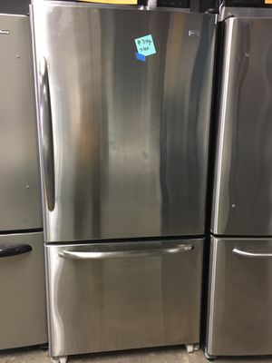 Maytag stainless steel bottom freezer fridge in excellent condition for Sale in Halethorpe, MD