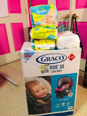 New Born & #1 Pampers( I have way more pampers ) & A Graco car seat (girl car seat ) for Sale in Baltimore, MD