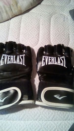 UFC gloves for Sale in Santa Clarita, CA