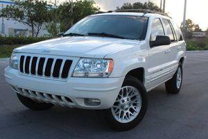 Low Price 2004 Jeep Grand Cherokee AWDWheels for Sale in St. Petersburg, FL