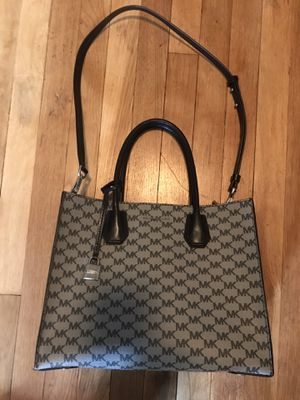 Michael Kors Medium Leather Tote Bag - Medium for Sale in Altadena, CA