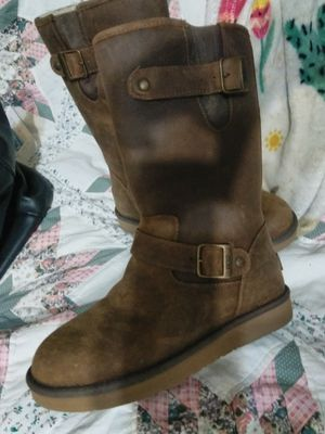 Women's leather Uggs for Sale in Tacoma, WA