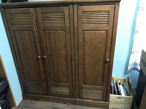 Twin frame and lockers/closet bedroom set for Sale in Washington, MO