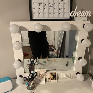 Vanity Mirror for Sale in Long Beach, CA