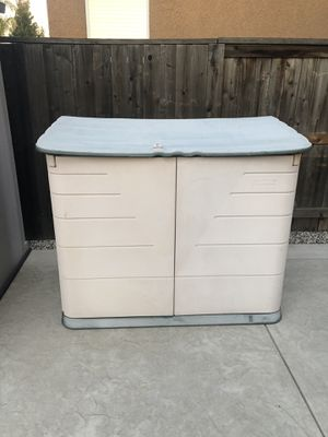 Rubbermaid shed for Sale in Elk Grove, CA