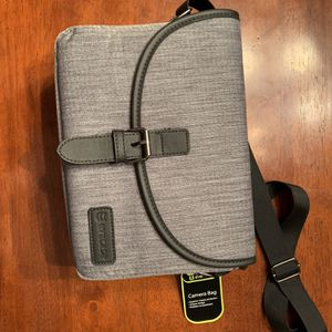 Camera Case (Location: Lincolnwood) for Sale in Chicago, IL