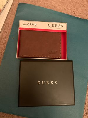 GUESS men's wallet for Sale in Yucca Valley, CA