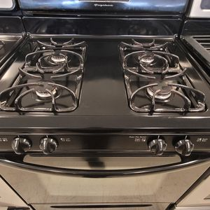 Frigidaire Gas Stove Used In Good Condition With 90day's Warranty for Sale in Washington, DC