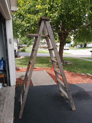 Old wood ladder for Sale in Obetz, OH