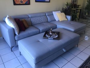 Leather sectional sofa for Sale in SUNNY ISL BCH, FL