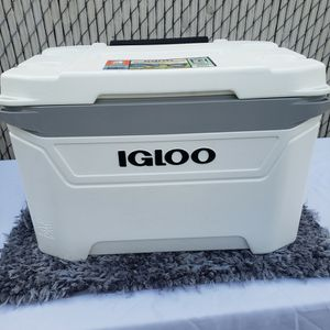Igloo 60 Qt Wheeled Cooler for Sale in Compton, CA