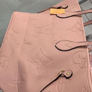 PINK designer Bag (LARGE) for Sale in Providence, RI