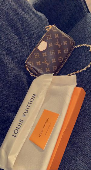 Authentic Louis Vuitton!! for Sale in Sumner, WA