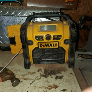 Dewalt Radio for Sale in Biggs, CA