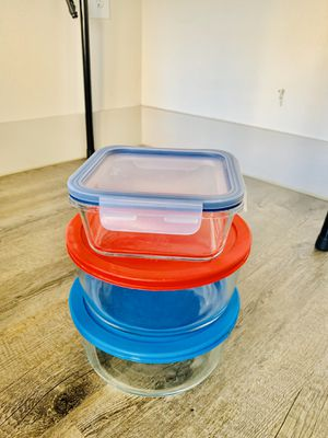 6 pieces pyrex set for Sale in Plano, TX