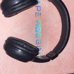 BLUETOOTH HEADPHONES for Sale in Prospect Heights, IL