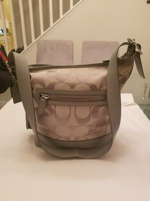 NewAUTHENTIC COACH CROSSBODY SHOULDER BAG PURSE for Sale in Tracy, CA